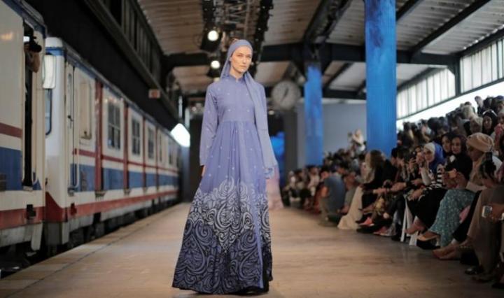 dc60f815a بالصور.. أسبوع الموضة المحتشمة يعود إلى إسطنبول